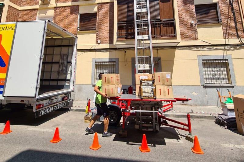 mudanza en una vivienda sin ascensor